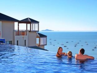 Pinnacles Resort Whitsunday Islands - Swimming Pool