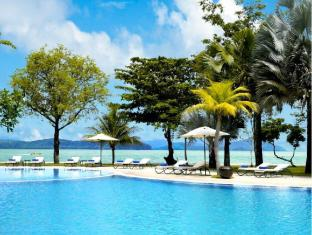 Vivanta by Taj - Rebak Island Resort Langkawi - Swimming Pool