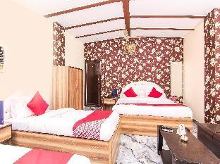 OYO 12244 Hotel JK Palace Аллахабад