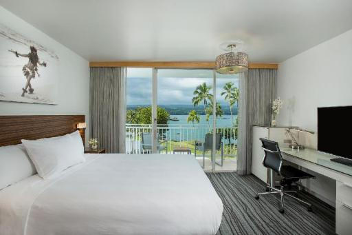 ➦  Aqua Hotels and Resorts    (Hawaii) customer rating