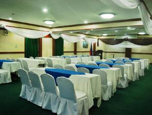 Days Hotel Mactan Island  Cebu - Function Room