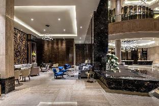Ritz-Carlton Jakarta, Mega Kuningan