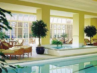 Four Seasons Hotel Dublin - Swimming Pool