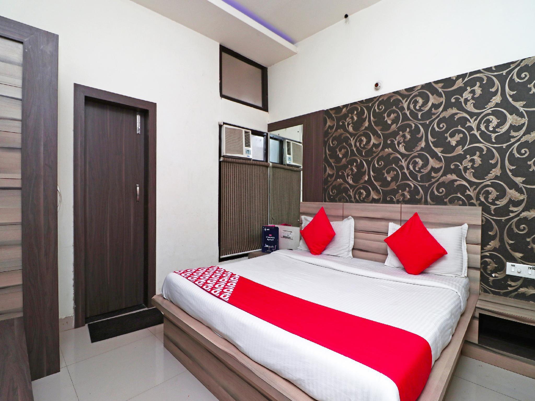 OYO 2297 Hotel Crown Hisar India
