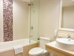 Casa Real Hotel Macau - Bathroom