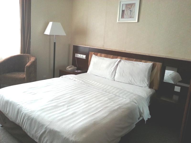タイパ スクエア ホテル