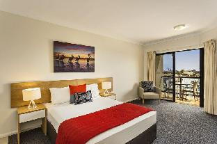 ➦  Quest Serviced Apartments    (Queensland) customer rating