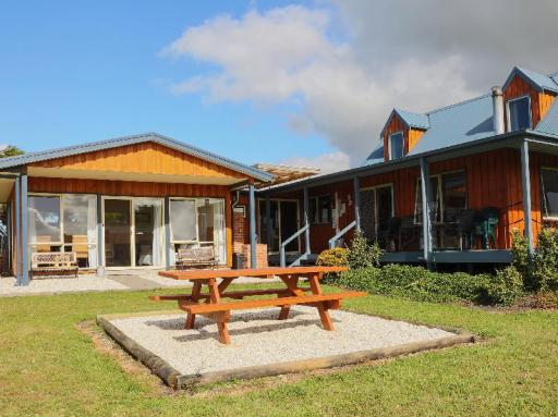 Best guest rating in Yanakie ➦ Promhills Cabins takes PayPal