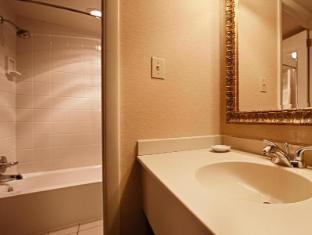 room of Best Western Plus Revere Inn and Suites