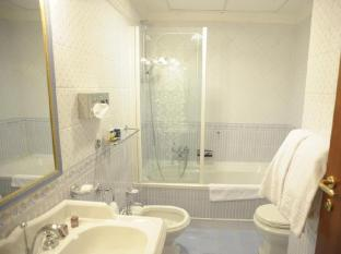 Camelia Hotel Rome - Bathroom