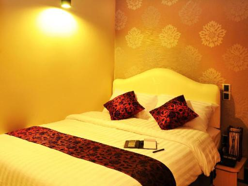 Lvis Boutique Hotel hotel accepts paypal in Male City and Airport