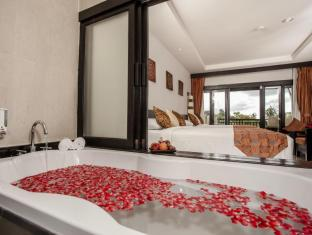 Horizon Karon Beach Resort & Spa Phuket - Hot tub