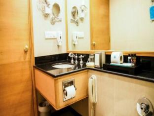The New Kenilworth Hotel-Kolkata Kolkata - Bathroom