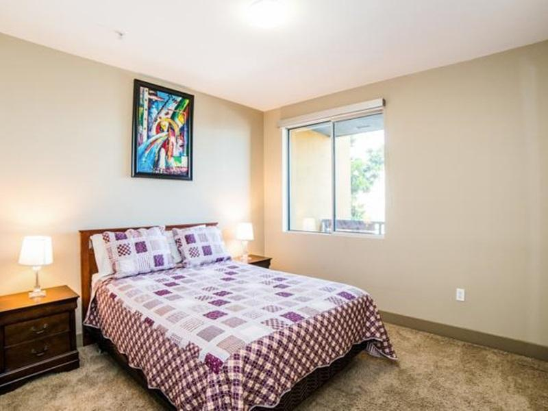 Hollywood Daisy Apartment - Los Angeles, CA 90028