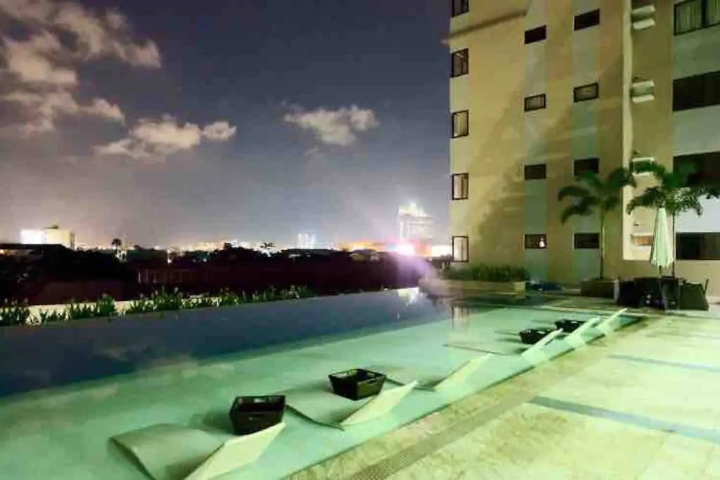 PERSIMMON A1 STUDIO NEAR SM CEBU MALL - Hotels Information/Map/Reviews/Reservation