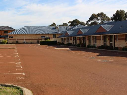Best guest rating in Collie ➦ banksia motel collie takes PayPal