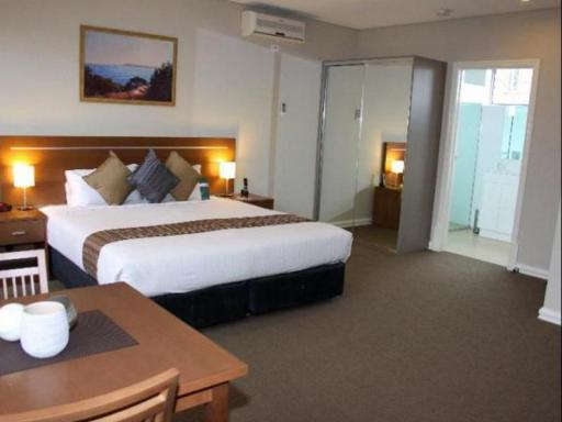 ➦  Quest Serviced Apartments    (Victoria) customer rating
