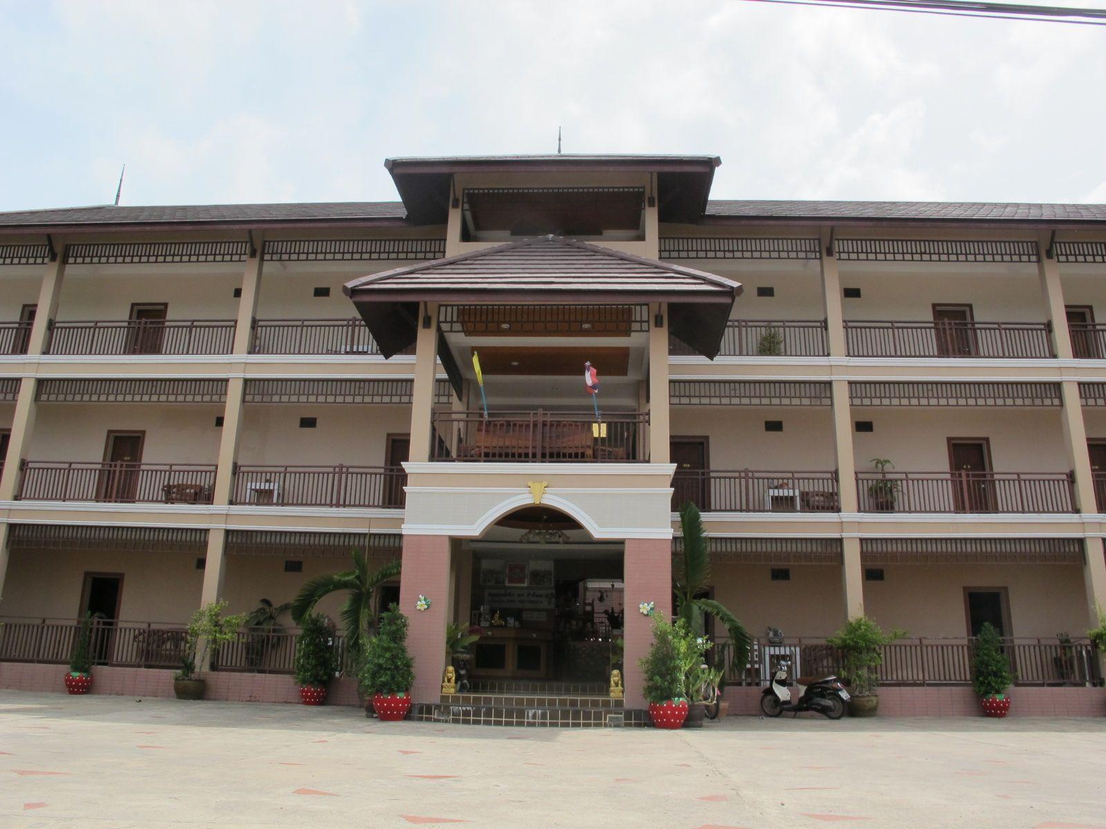 โรงแรมค.วาฬบุรี