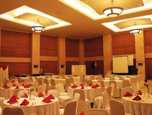 Crown Regency Suites And Residences - Mactan Cebu - Festsaal