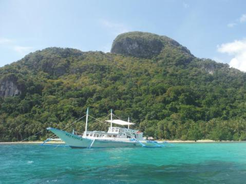 Isla Expeditions - Boat Cruise and Campsites Special Offer