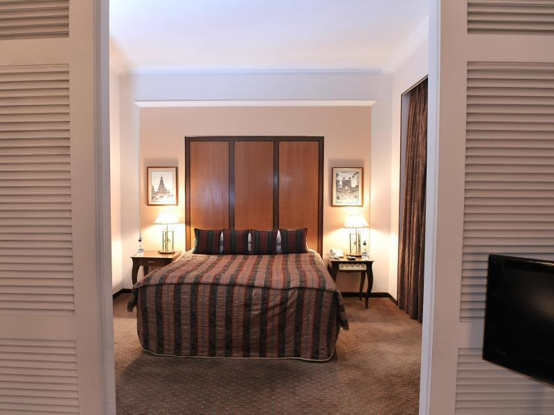 Executive Club - The Residence - Two Way Transfers