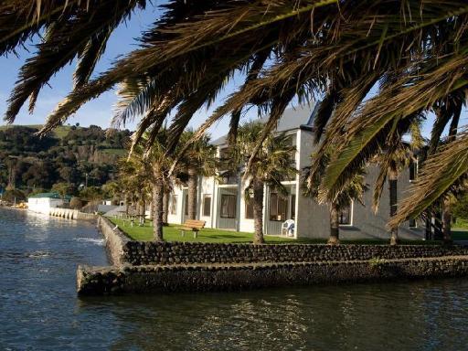 Best guest rating in Akaroa ➦ La Rochelle Motel takes PayPal
