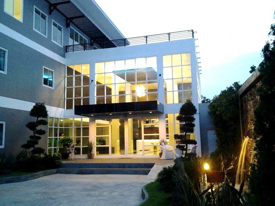 โรงแรมเดอะ ซาร่า ดับเบิ้ลทรี