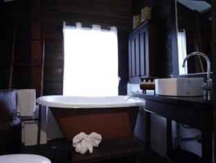 Manathai Village Hotel Chiang Mai - Bathroom