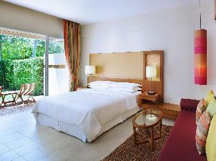 Sheraton Hua Hin Resort & Spa guestroom junior suite