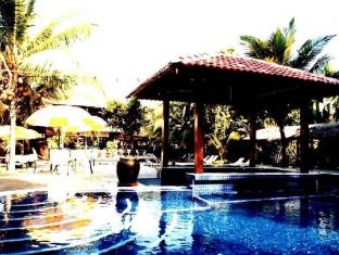 Le Village Beach Resort Kuantan Kuantan - Swimming Pool