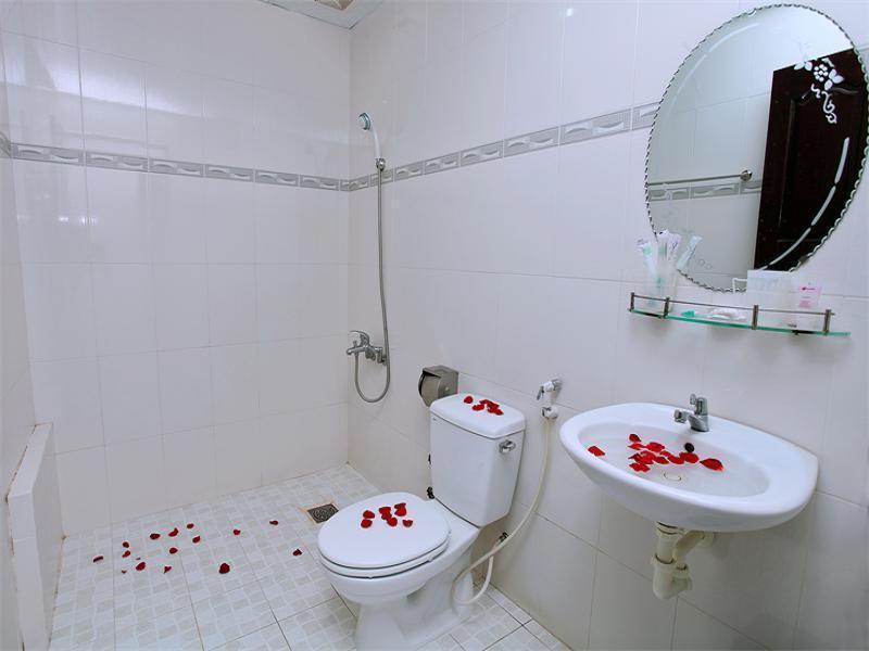 Kết quả hình ảnh cho queen hotel nha trang