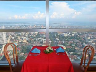 Crown Regency Hotel & Towers Cebu City - Restaurant