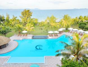 White Sand Doc Let Beach Resort & Spa