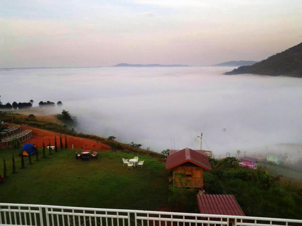 Mhork Buri Resort,บ้านหมอกบุรี