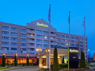/radisson-hotel-seattle-airport/hotel/seattle-wa-us.html?asq=jGXBHFvRg5Z51Emf%2fbXG4w%3d%3d