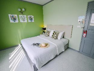 Thipurai City Hotel guestroom junior suite