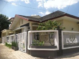 Yudistira Guest House