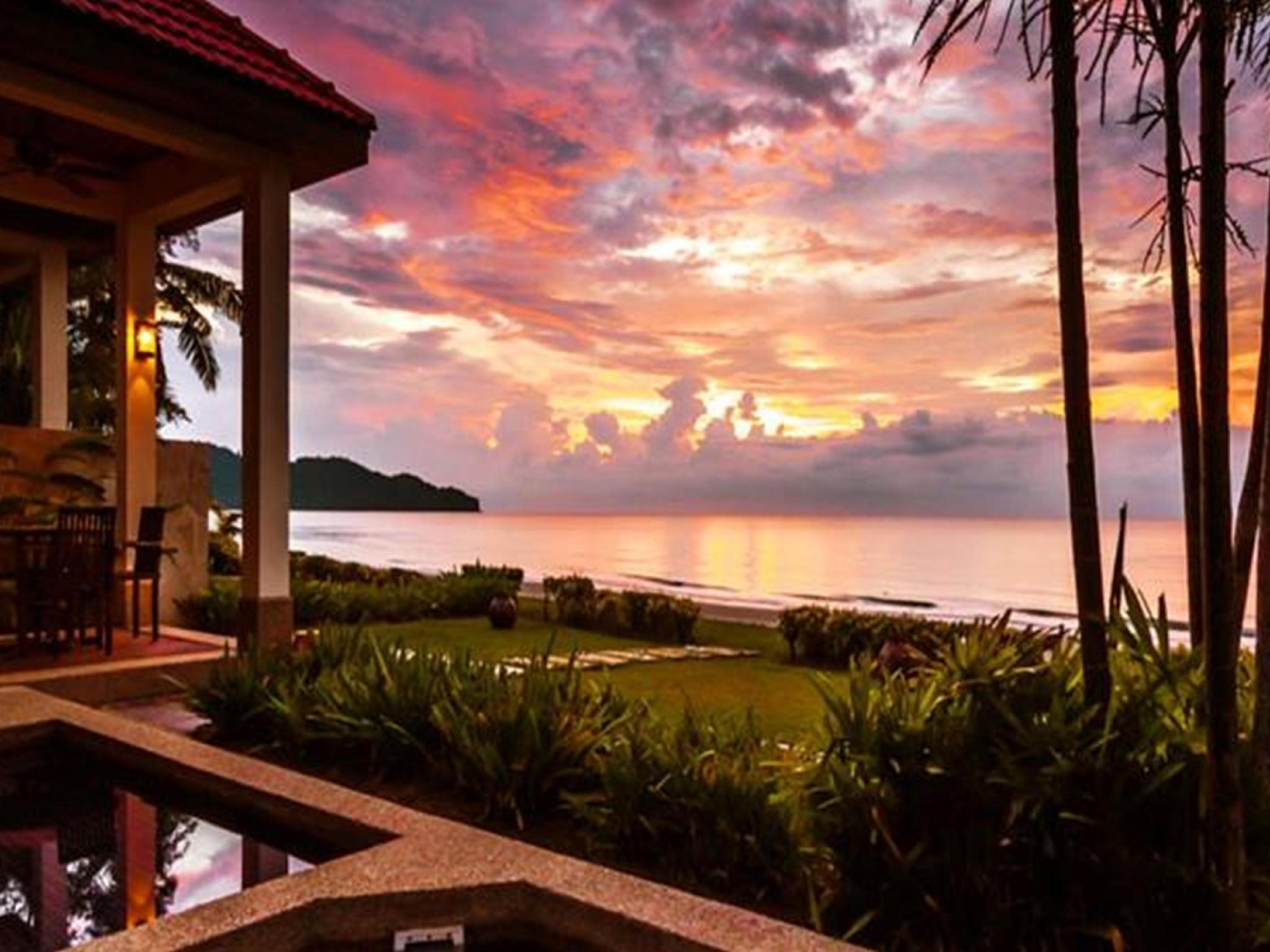 Borneo Beach Villas Contact