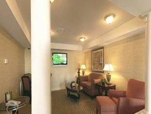 Home-Towne Suites Hotel Bowling Green (KY) - Suite
