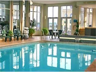 Michael's Inn Niagara Falls (ON) - Swimming Pool