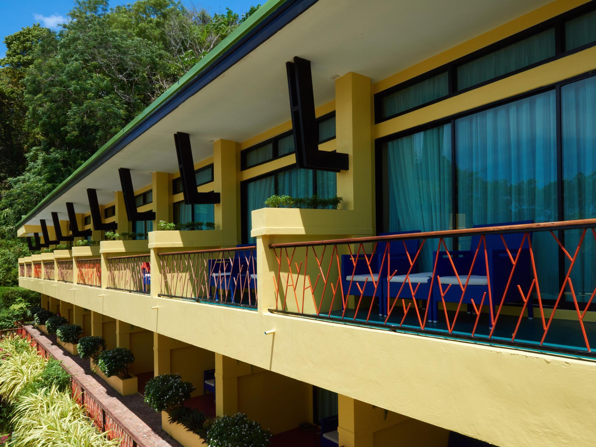 โรงแรมซีซีส์ ไฮด์อะเวย์