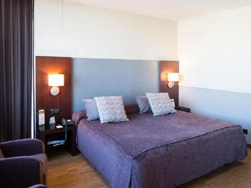 ➦  Hoteles Catalonia    customer rating