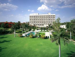 /the-gateway-hotel-fatehabad-road-agra/hotel/agra-in.html?asq=jGXBHFvRg5Z51Emf%2fbXG4w%3d%3d