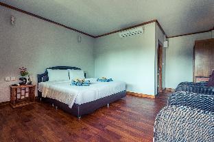 Lipe Village guestroom junior suite