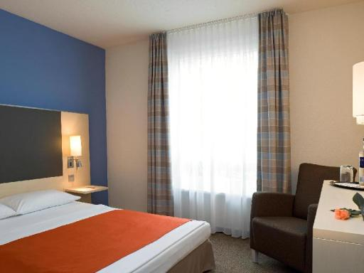 ➦  Accor Hotels    customer rating