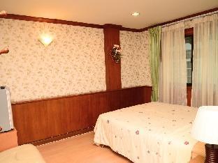 Orchid Rooms guestroom junior suite