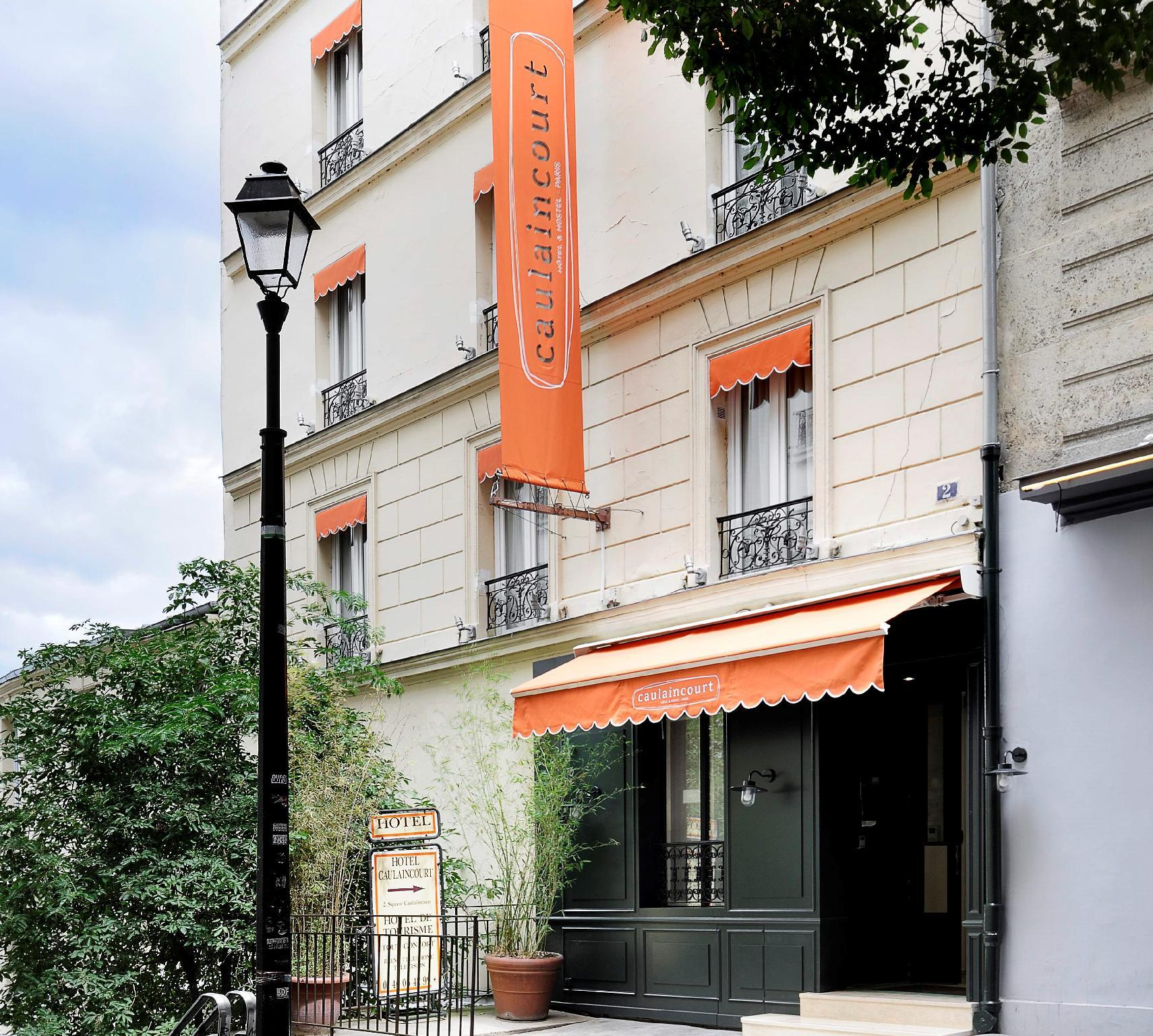 Caulaincourt Square Boutique Hostel – Paris 1