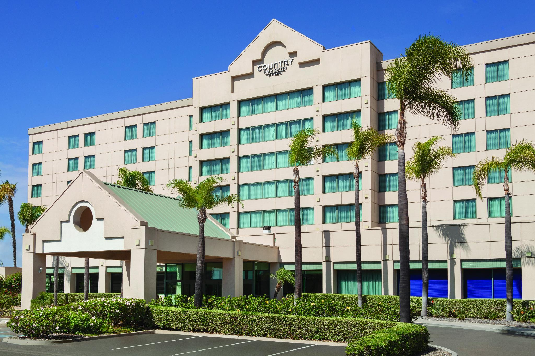 Country Inn & Suites by Radisson, San Diego North image