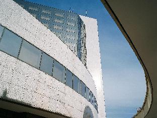 Hotel Pullman Bucharest World Trade Center Hotel in ➦ Bucharest ➦ accepts PayPal.