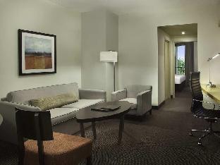Hilton Suites Toronto Markham Conference Centre & Spa Hotel
